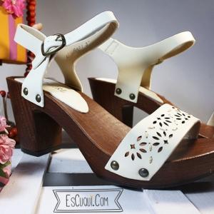 sandalias madera tacon