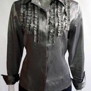 blusa seda gris chorreras