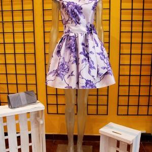 vestido ceremonia lila corto