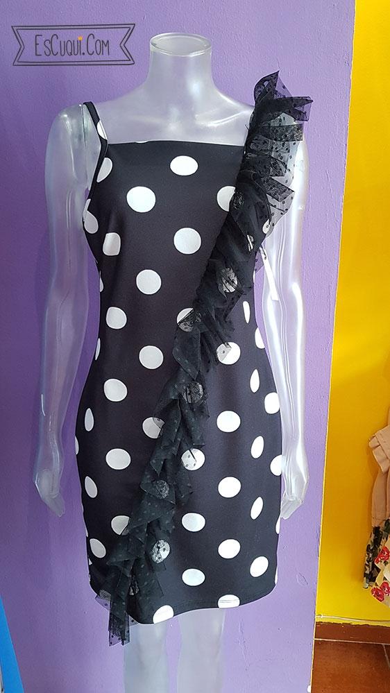 vestido lunares negro y blanco