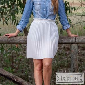 falda corta plisada lisa