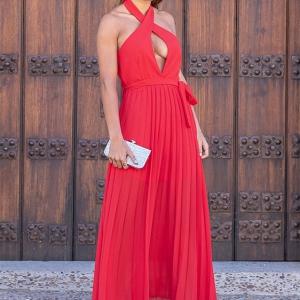 vestido plisado escote sexy