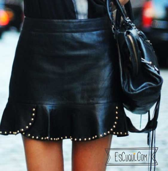 mini falda polipiel tachuelas zara