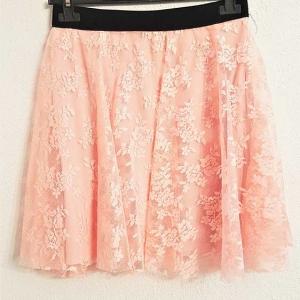 minifalda rosa encaje