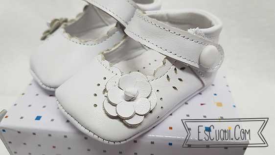 zapatos bebe sin suela blancos
