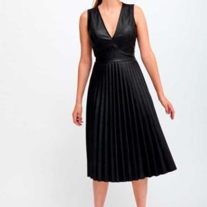 vestido plisado polipiel negro