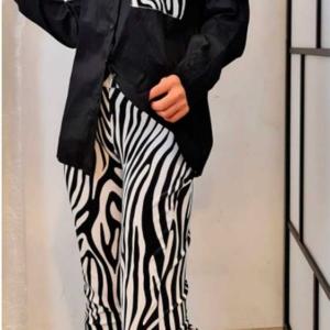 Conjunto pantalon zebra y blusa
