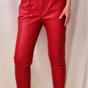 pantalon polipiel rojo vuelta