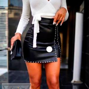 falda corta polipiel tachuelas cinturon