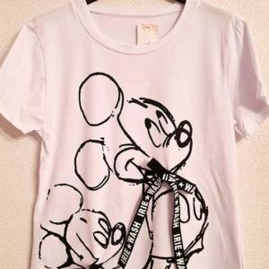 camiseta blanca mickey negro trazos lazo