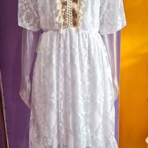 vestido ibicenco blanco asimetrico